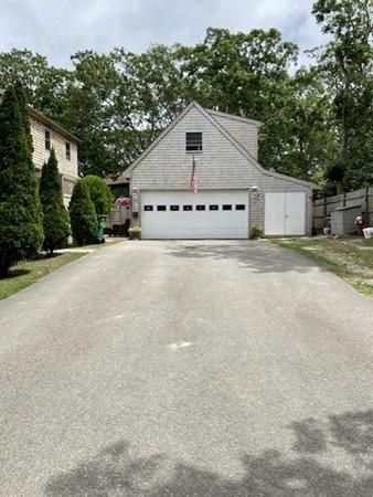 41 Manchester Avenue Oak Bluffs MA 02557