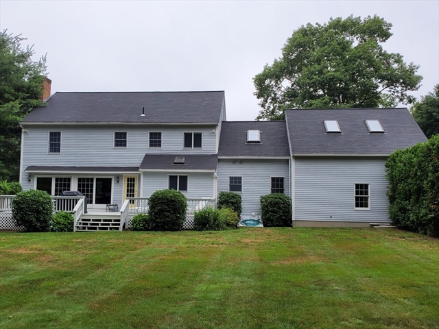 105 Willow Brook Road Holden MA 01520