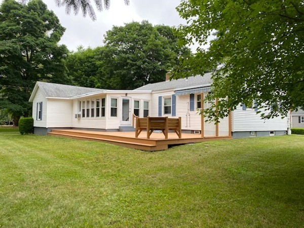 35 Meetinghouse Hill Road Sterling MA 01564