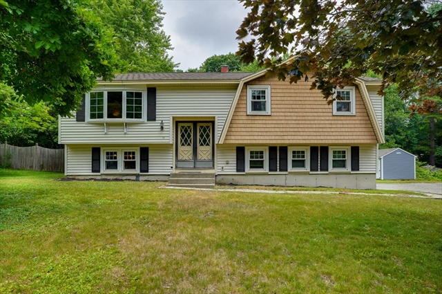 18 WHITTIER Road Billerica MA 01821