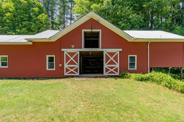 11 Sutcliffe Road Brimfield MA 01010