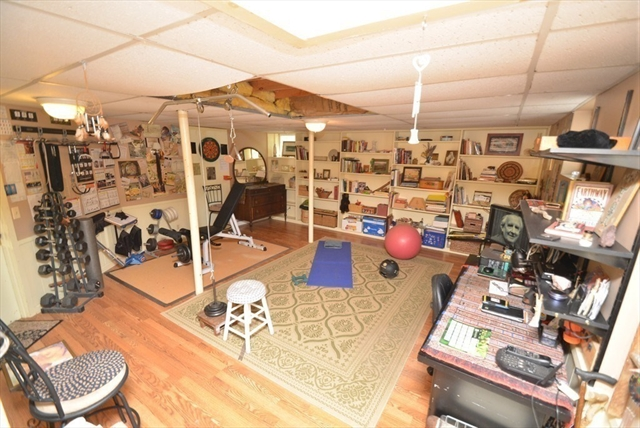 48 Jenks Street Amherst MA 01002