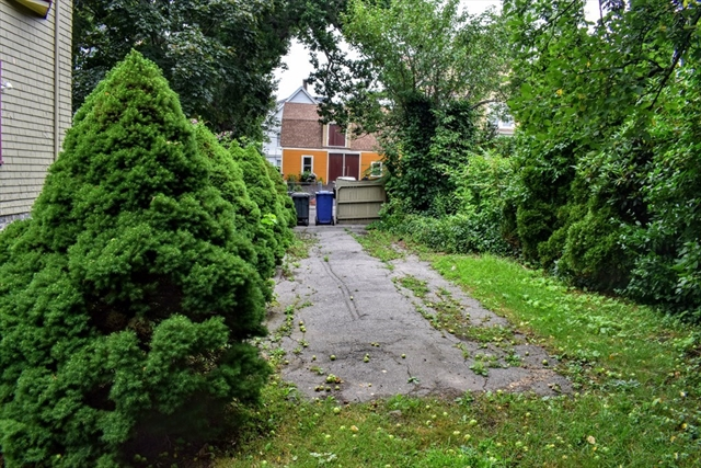 26 Lindsey Street Boston MA 02124