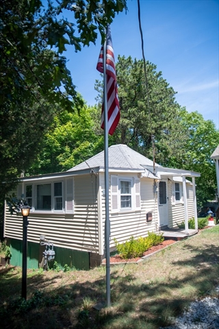 21 Thompson Road Bourne MA 02532