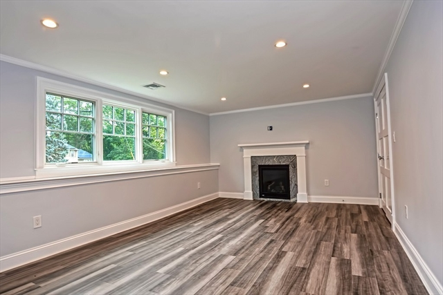 32 Oak Hill Road Needham MA 02492
