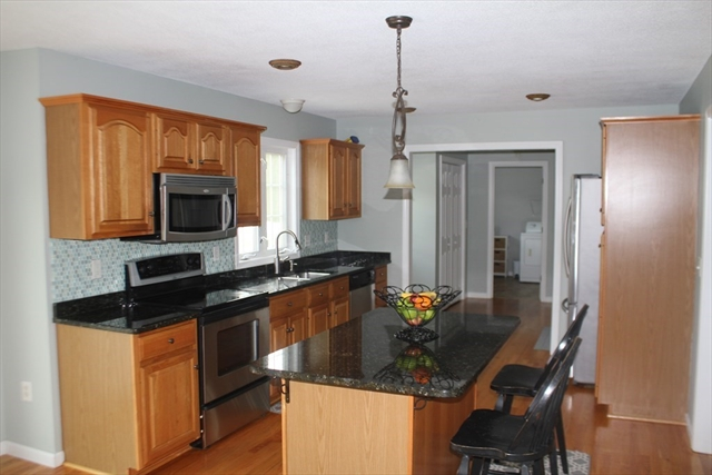 5 Plumtree Way Agawam MA 01030