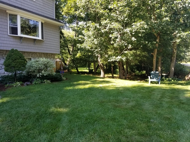 20 Squire Lane Tewksbury MA 01876