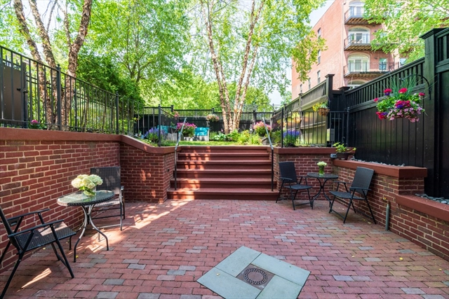 39 Greenwich Park Boston MA 02118