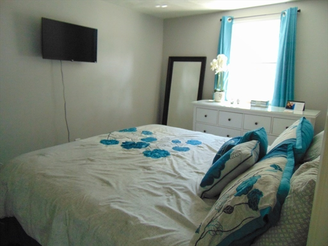 17 Cape Cod Lane Hanover MA 02339