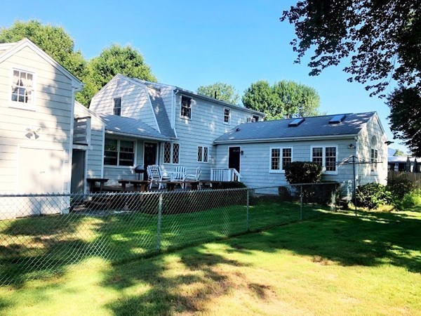 170 Pineview Circle Agawam MA 01001
