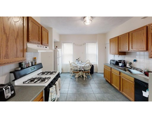 Property for sale at 324 Highland Ave - Unit: 1, Somerville,  Massachusetts 02144