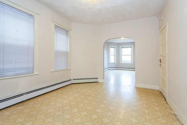 136 Saratoga Street Boston MA 02128