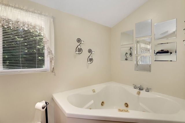 587 Front Street Marion MA 02738