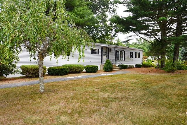 20 Oldfield Drive Kingston MA 02364