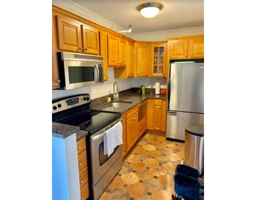 Pictures of  property for rent on Pinckney St., Boston, MA 02114
