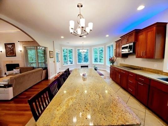 28 Davenport Way, Greenfield, MA: $525,000