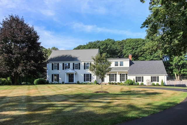 10 FARRINGTON Lane Hamilton MA 01982