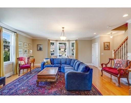 1662 Centre St #1, Boston, MA 02132