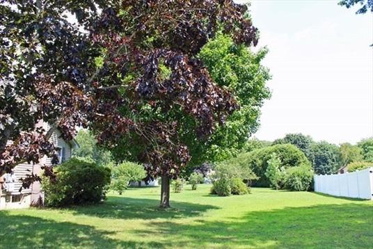 539 Country Club Road, Greenfield, MA: $195,000