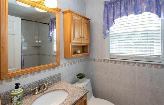 47 CANTERBURY Road Lynnfield MA 01940