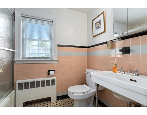 60 Livermore Rd, Belmont, MA 02478
