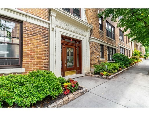 Property for sale at 108 Saint Paul Street - Unit: 6, Brookline,  Massachusetts 02446