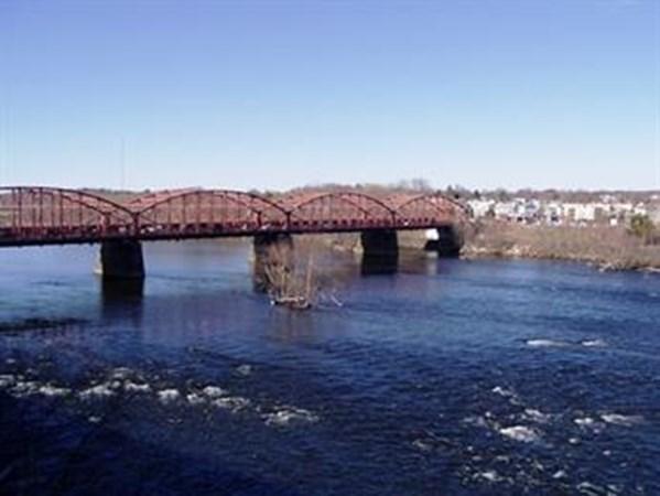 35 Riverwalk Way Lowell MA 01854