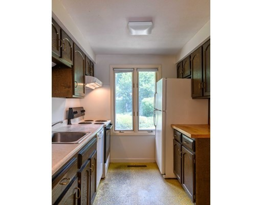3 bed, 1 bath home in Amherst for $263,500