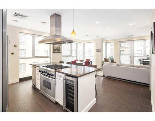 Property for sale at 101 Broad Street - Unit: 8B, Boston,  Massachusetts 02110