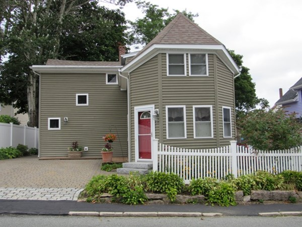 11 Longwood Avenue Wareham MA 02558
