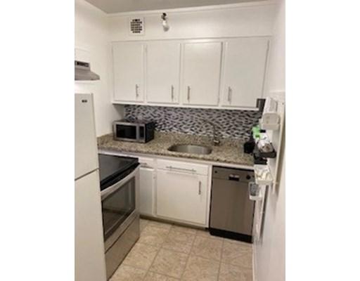Photos of apartment on Pinckney St (RENT INCENTIVES),Boston MA 02114