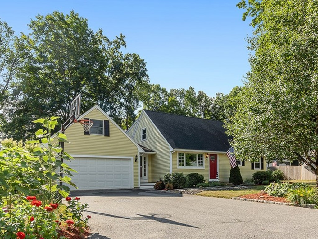 78  Whitcomb Dr