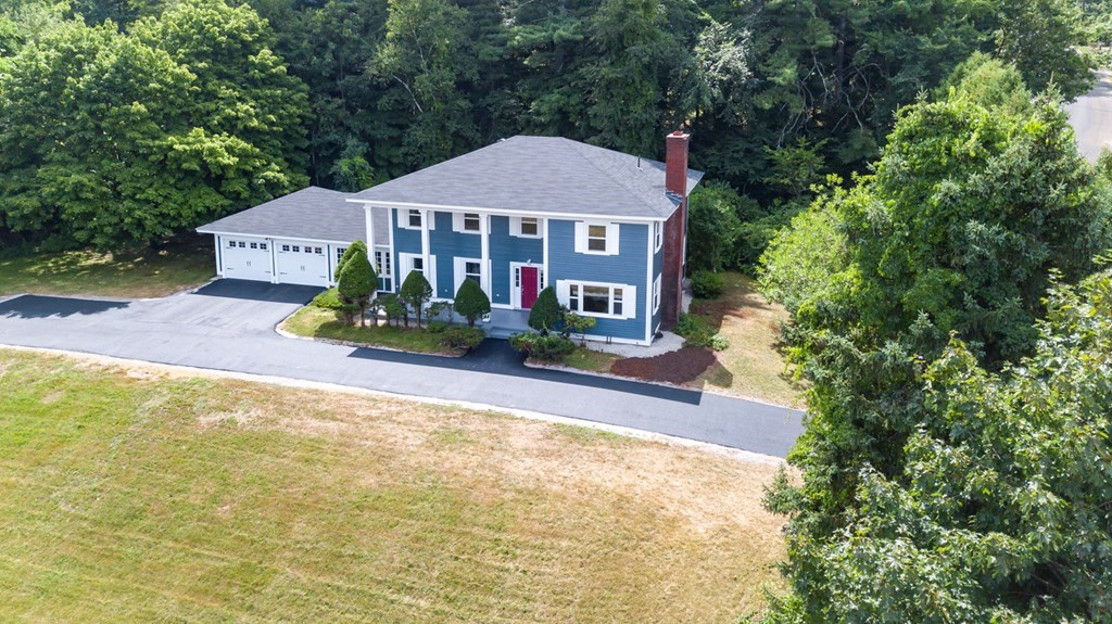 Photo of 18 Pinecrest Dr Bedford NH 03110