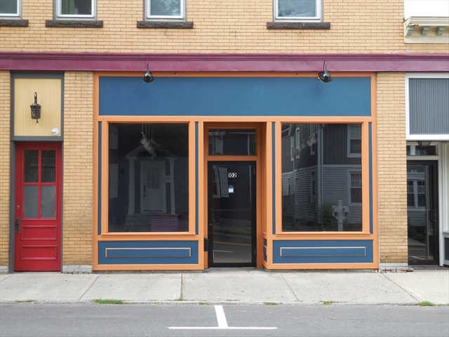102 Cottage Street Easthampton MA 01027