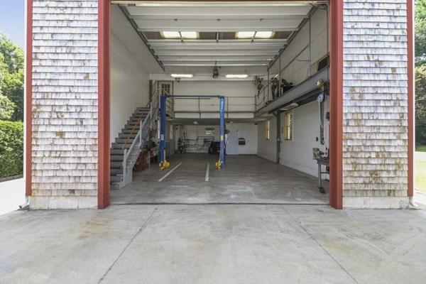156 Leonard Street Acushnet MA 02743