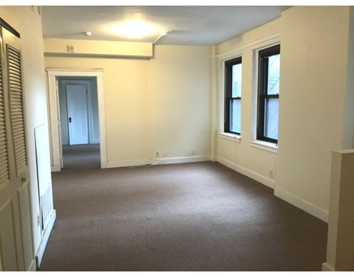 1 Bed, 1 Bath apartment in Boston, Fenway for $1,800