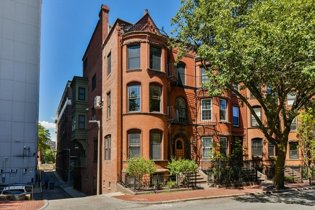 203 Saint Botolph Street Boston MA 02115