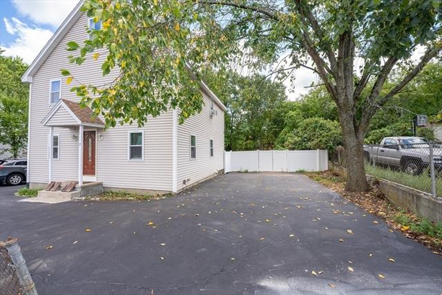 17 Pleasant Street Dracut MA 01826