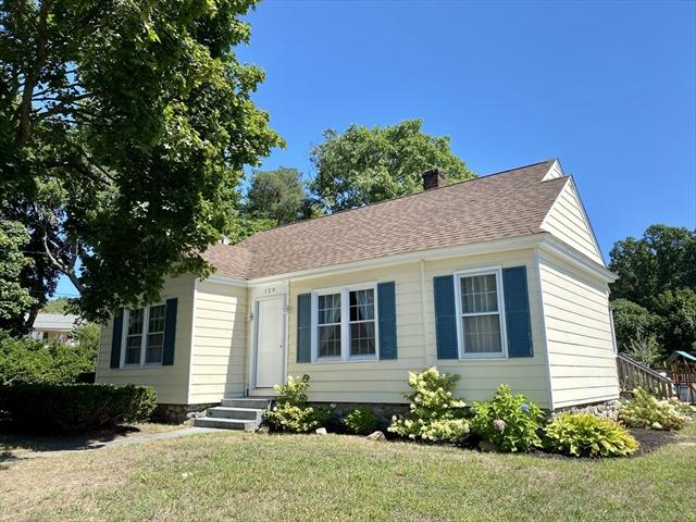 129 Oak Street Methuen MA 01844