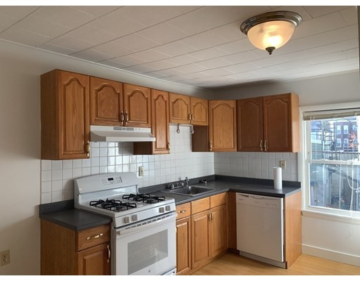 Pictures of  property for rent on Elm, Cambridge, MA 02139