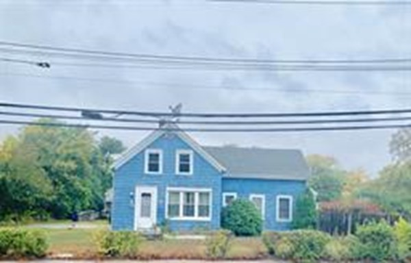 CHARMING COLONIAL IN SOUGHT AFTER AREA NEXT DOOR TO THE LIBRARY, ACROSS THE STREET FROM SCHOOLS, TOWN HALL AND AMENITIES.  IMAGINE YOUR KIDS COULD CROSS THE STREET TO SCHOOL, PLAY SPORTS AND STUDY AT THE LIBRARY NEXT DOOR!  GORGEOUS, FENCED IN BACKYARD WITH PLENTY OF ROOM FOR OUTDOOR ENTERTAINING AND DETACHED GARAGE CAN DOUBLE AS A WORKSHOP.  A FISHERMAN'S DREAM, MINUTES TO WAREHAM RIVER AND A COUPLE MILES TO MARK'S COVE.  PRICED TO SELL AND SELLERS ARE MOTIVATED.  DO NOT MISS OUT!
