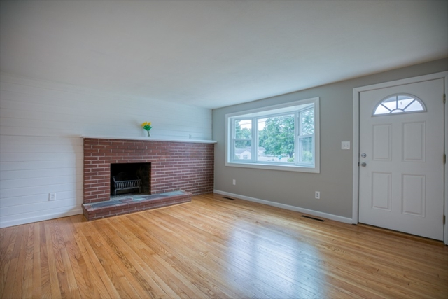 85 Larchly Avenue Westfield MA 01085