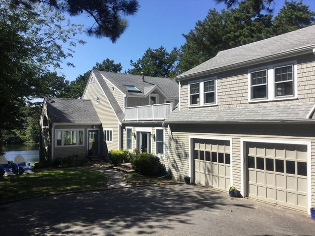 104 Canoe Pond Dr- Direct WATERFRT Brewster MA 02631