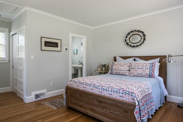 5 Smiths Point Yarmouth MA 02673