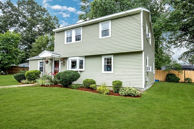 39 Lantern Lane Burlington MA 01803