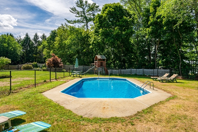 189 Queens Brook Road Pembroke MA 02359
