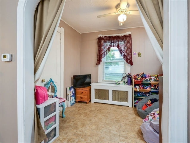 13 Halford Street Gardner MA 01440