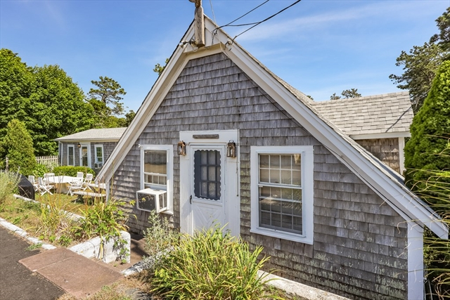 25 Sweetbriar Lane Chatham MA 02633