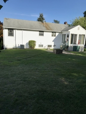 9 Pebble Place Stoneham MA 02180