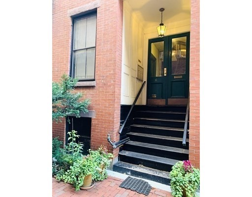 Pictures of  property for rent on Goodwin Pl., Boston, MA 02114